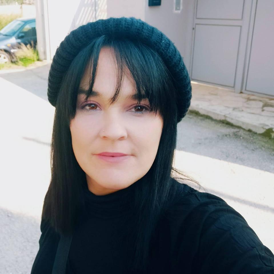 Λάζαρη Ηλιοπούλου Λαμπρινή – Υπ. τοπικός σύμβουλος Καλυβίων- Λαγονησίου (Σαρωνικός αύριο)