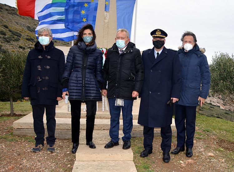 Κατάθεση στεφάνων για τα θύματα του ναυαγίου ORIA